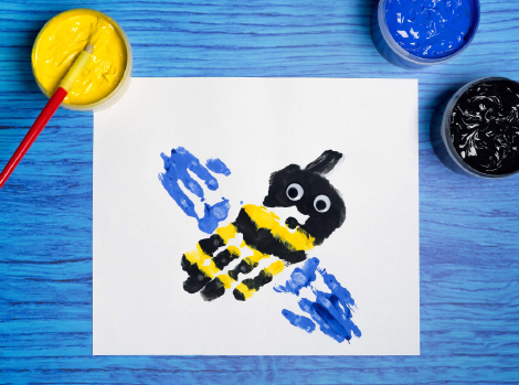 Hand Paint a Bee Thumbnail