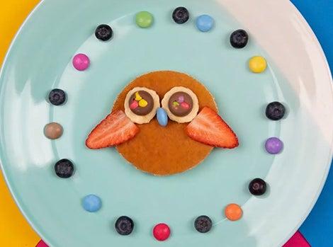 Smarties Owl Pancakes Thumbnail