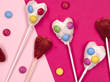 Smarties Strawberry Lollipops Thumbnail