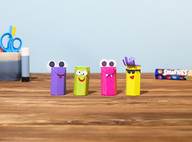 colourful finger puppet crafts